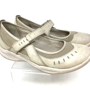 Clarks Wave Womens Shoes Size 8M Off White Leather